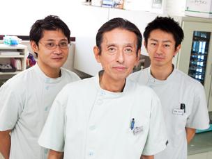 父の矯正治療を受けたことがきっかけで、矯正歯科医を目指しました。